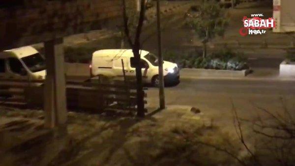 İstanbul'da kısıtlamada caddenin ortasında durdu, son ses müzik açarak dinledi! | Video