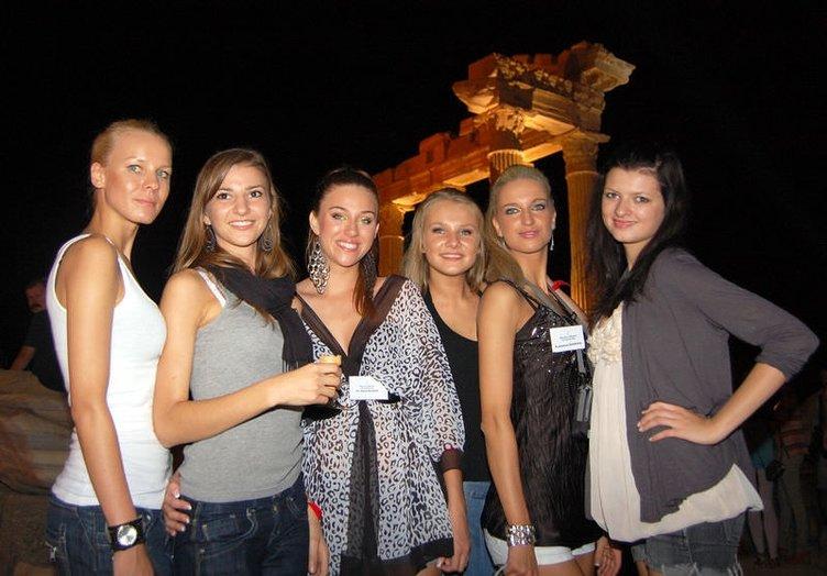 Polonyalı güzeller Antalya kampında...