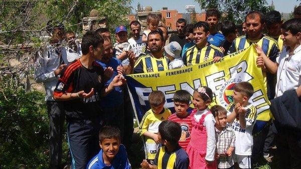 Fenerbahçe'nin başarısı için türbede dua ettiler