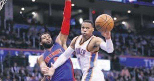 NBA'de Warriors coştu Westbrook tarih yazdı