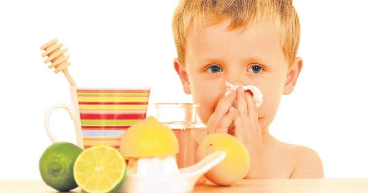 Sağlıksız beslenen çocuklar kışın daha sık hastalanıyor