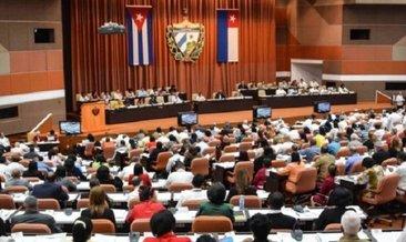 Komünizm Küba anayasasından çıkarılıyor