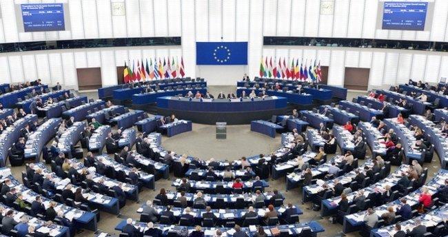 AP'den Belarus'a demokrasi uyarısı