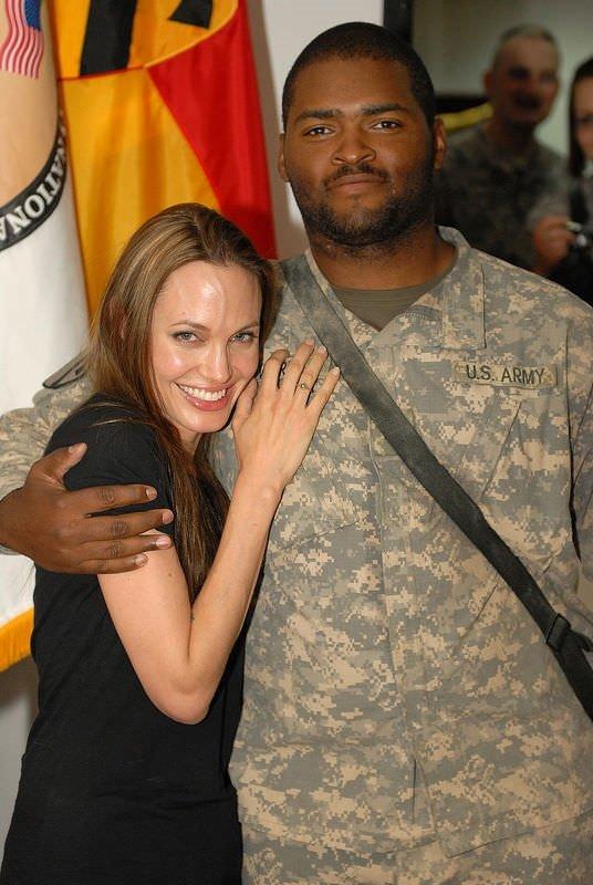 Angelina'nın Irak'a 3. ziyareti
