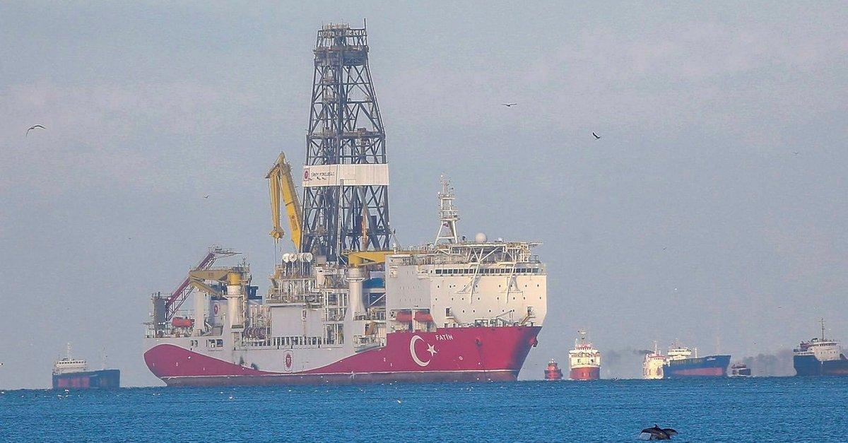 Bakan Dönmez: Fatih sondaj gemimizin yeni durağı Karadeniz olacak