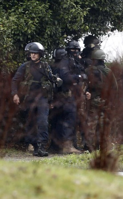 Fransa polisinden saldırganlara operasyon