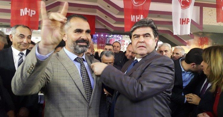 İYİ Parti'den 15 yönetici MHP'ye geçti