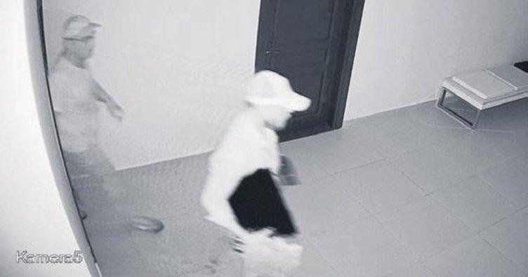 Dikili'de Hırsızlar Belediye Binasını soydu