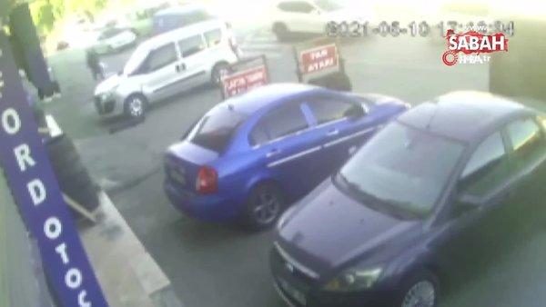 İstanbulKüçükçekmece 4 aracın karıştığı zincirleme kaza kamerada