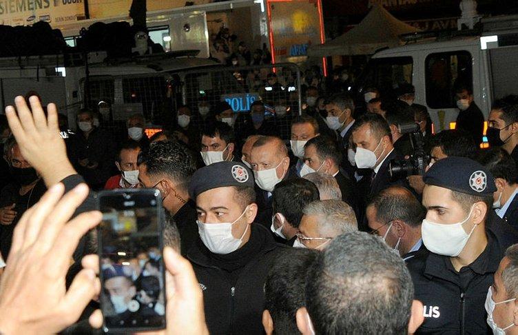 Başkan Recep Tayyip Erdoğan, İzmir'de deprem bölgesini ziyaret etti