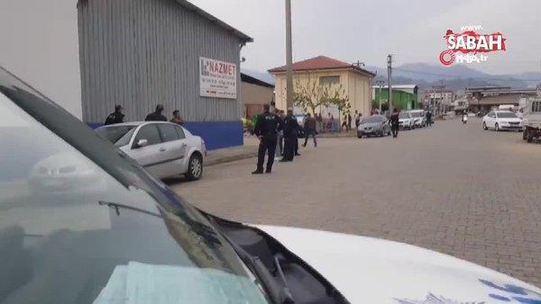 Polis kafasına dayadığı tüfeği böyle aldı | Video