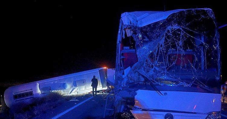 Son dakika: Nevşehir'de öğrencileri taşıyan otobüs tırla çarpıştı! 25 kişi yaralandı