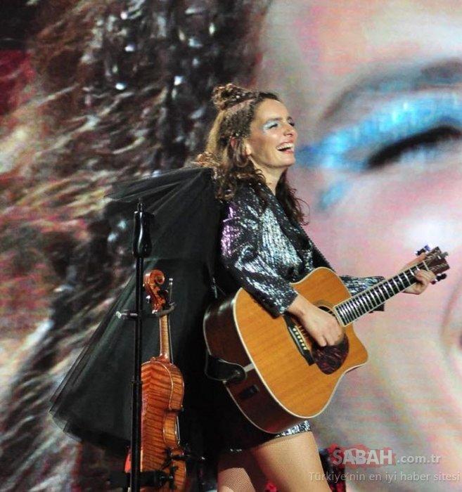 Şarkıcı Nil Karaibrahimgil'den karantina şarkısı! Nil Karaibrahimgil'in corona virüs bestesi büyük ilgi gördü...
