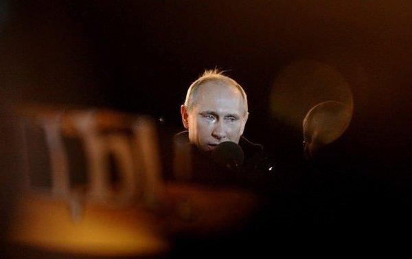 Putin gözyaşlarını tutamadı