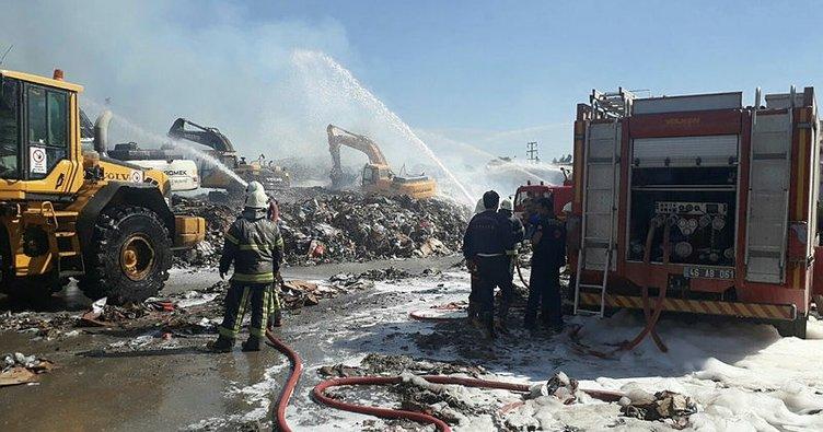 Kahramanmaraş'taki kağıt fabrikasında yangın (2)