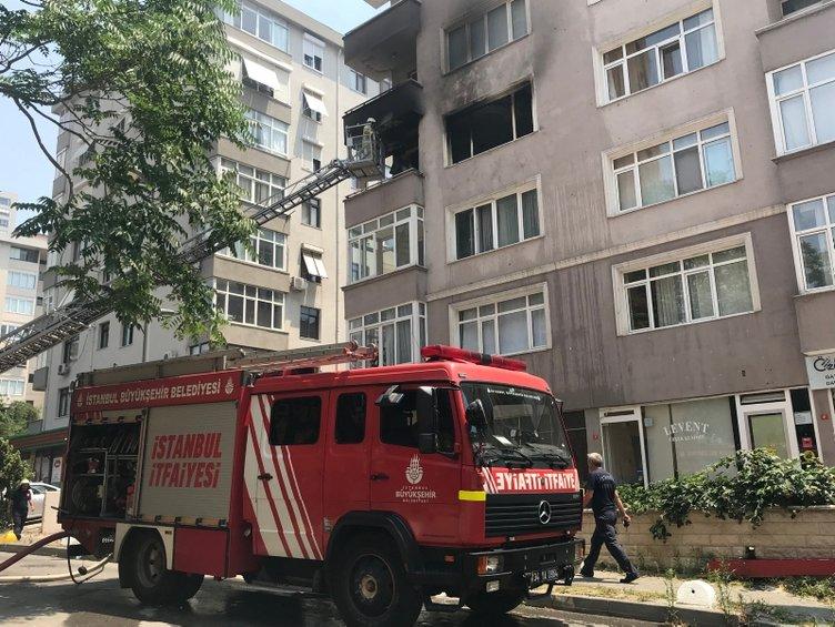 Kadıköy'de yangın: Anne baba öldü, engelli oğulları kurtarıldı