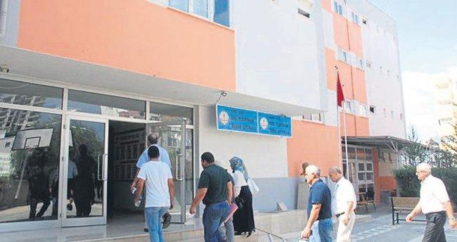 FETÖ'den 68 kamu görevlisine ihraç