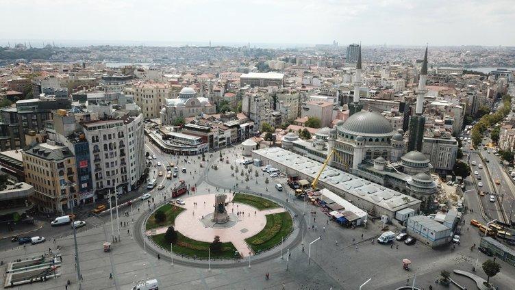 Taksim Camii'nin şerefeleri tamamlandı