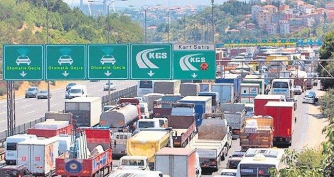 Mahmutbey gişelerde trafik kilidi çözülüyor