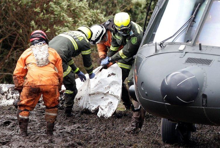 Kolombiya'da düşen uçaktan inanılmaz görüntüler