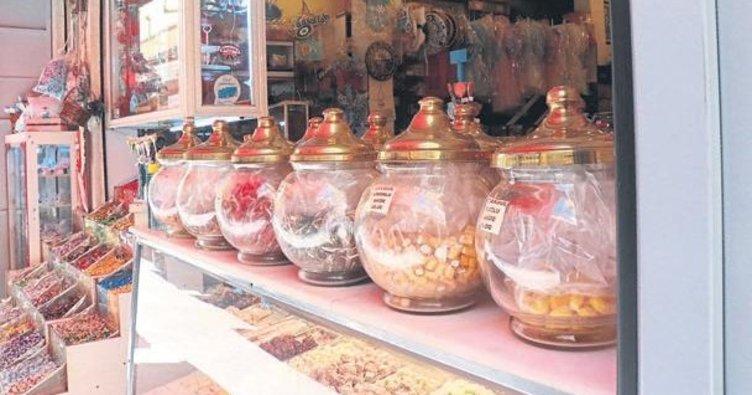 Tarihi Kemeraltı Çarşısı eski bayramları arıyor