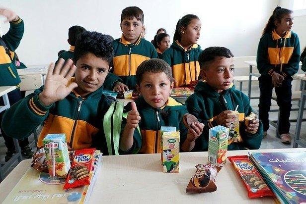 Barış Pınarı'yla huzur geldi! Türkiye'nin onardığı Tel Abyad'daki okul eğitime açıldı