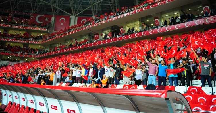 SABAH Serbest Kürsü: Milli maçlarda tribünlerden beklenti neler?