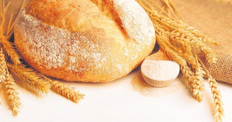 Lor peyniri ve tam buğday ekmeği uzun süre tok tutar