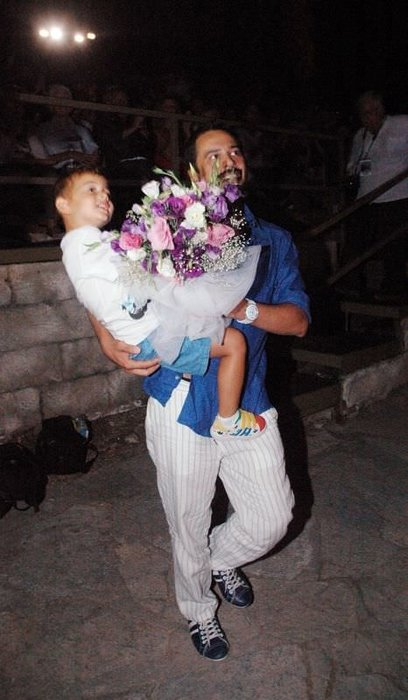 Çağla Şikel evlilik yıldönümünde bale yaptı