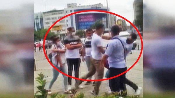Son Dakika Haberi: İstanbul Kadıköy'de kadınları taciz eden sapığa vatandaşlardan feci dayak | Video