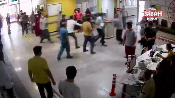 Şanlıurfa'da hasta yakınlarının sağlık ve güvenlik personellerini darp ettiği anlar kamerada | Video