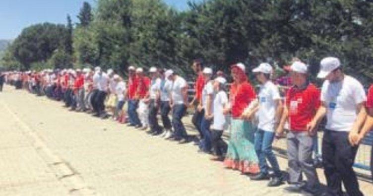 Dünya horon rekoru Bursa'da kırıldı