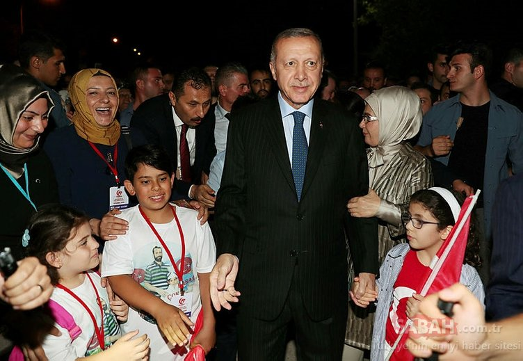 Başkan Erdoğan 15 Temmuz'da milletiyle buluştu | İşte tarihi anlardan kareler