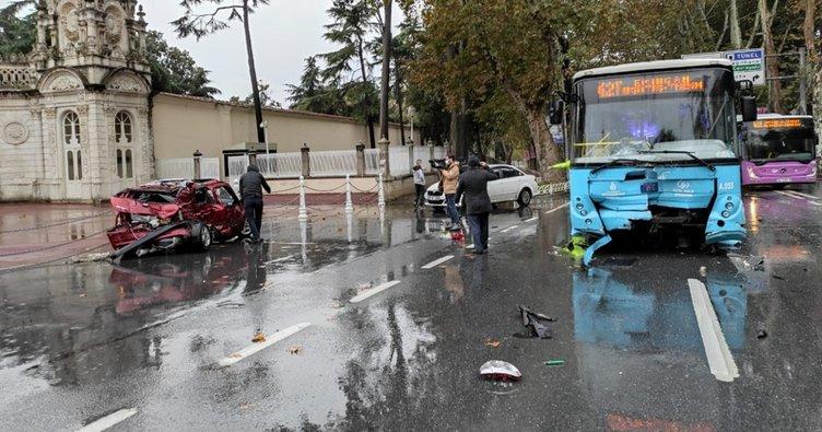 Dolmabahçe'de otomobil otobüsle çarpıştı