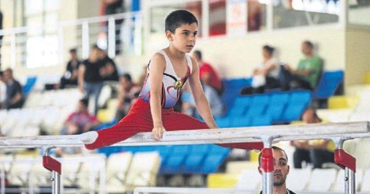 Hatay'da jimnastik heyecanı yaşandı