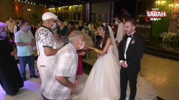 Son dakika haberi: Samsun'da düğünde gelin ve damada akılalmaz corona virüsü önlemi şoku | Video