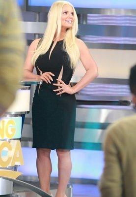 Jessica Simpson yeni görünümüyle şok etti