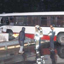 Otobüs eve girdi, deprem sandılar