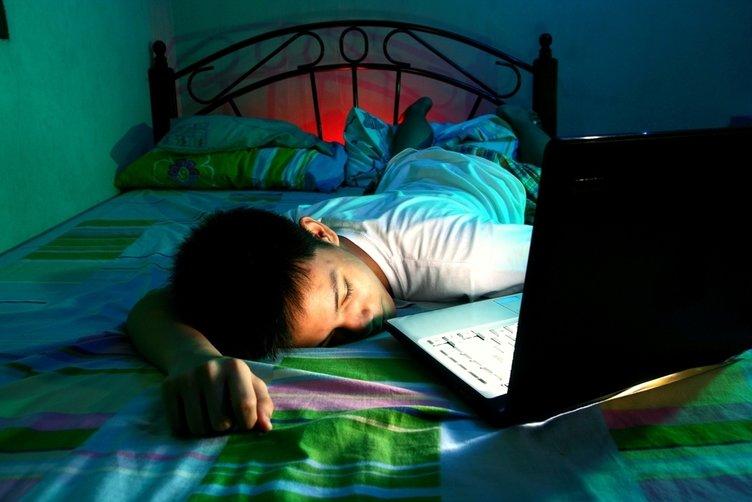 Çocuğunuzu bilgisayar bağımlılığından teknoloji detoksu ile kurtarın!