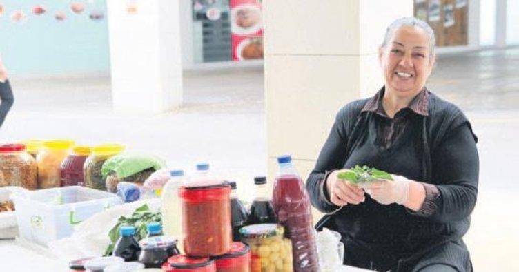 Yenimahalle'de el emeği ve köylü pazarı açıldı