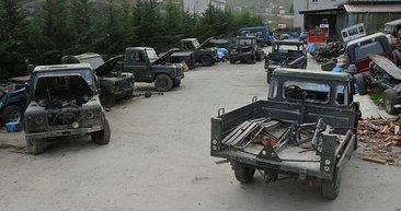 Hurdadan askeri araçları alıp şahesere çeviriyor!