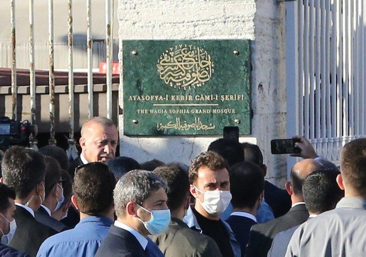 Cumhurbaşkanı Erdoğan ve MHP lideri Bahçeli Ayasofya Camii'nde incelemelerde bulundu