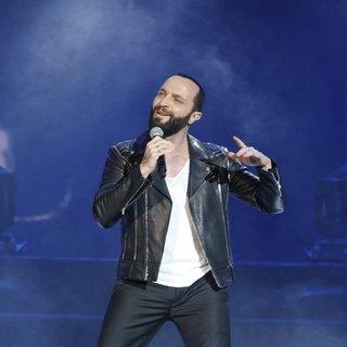 Şarkıcı Berkay ve oyuncu Eren Hacısalihoğlu'nu zor ayırdılar! Sevgilime nasıl dokunursun? kavgası gündeme bomba gibi düştü...