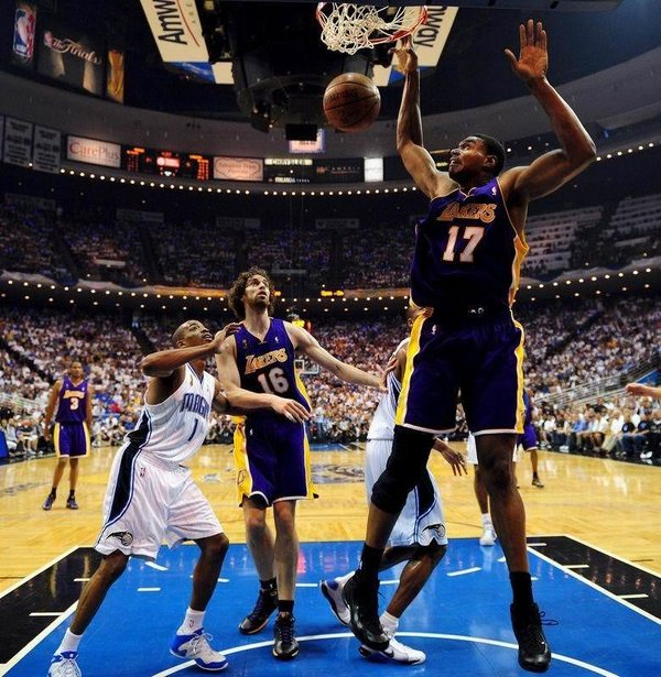Los Angeles Lakers şampiyon