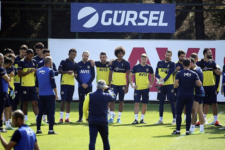 Galatasaray derbisi öncesi Fenerbahçe'nin 11'i şekillenmeye başladı