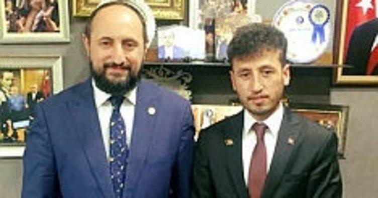 Kayseri'de Afganistanlı öğrenci Milletvekili Karayel'i ziyaret etti