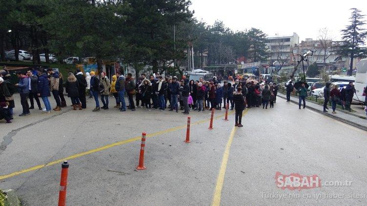 Tatilcilerin akın ettiği Uludağ'da adım atacak yer kalmadı
