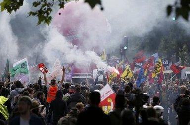 6 soruda Fransa'da neler oluyor?