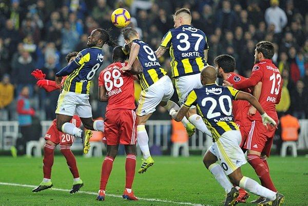 Son dakika! Beşiktaş'tan Fenerbahçe'ye transfer oluyor