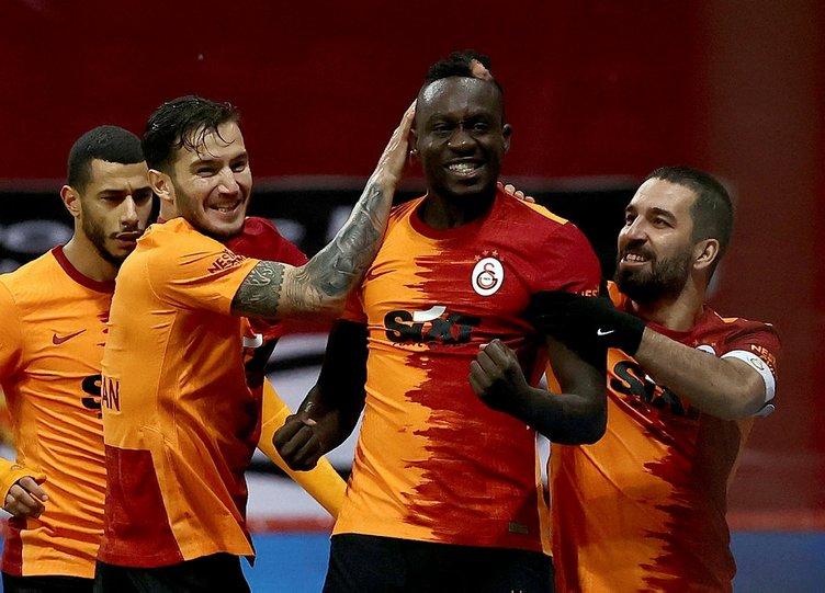 Galatasaray'dan son dakika transfer operasyonu! Mısırlı golcü Mostafa Mohamed için anlaşma sağlandı...